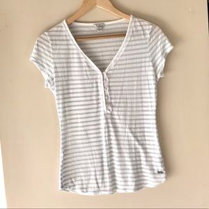 Guess white and grey striped t-shirt - Size Small